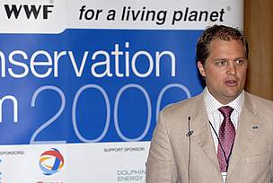 Presentation on global coral reef initiatives at the Marine Conservation Forum (September 11 - 14, 2006 Abu Dhabi, United Arab Initiatives)