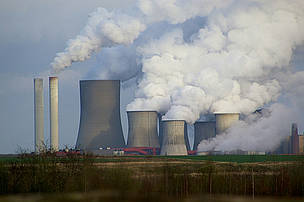 Niederaußem in Germany is the 3rd worst performing power station in Europe based on WWF's Dirty 30 ... / ©: Richard Brand / Flickr.com