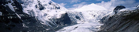 Pasterze Glacier lies in the Hohe Tauern mountain range of the Alps, along the northeastern slope ... rel=