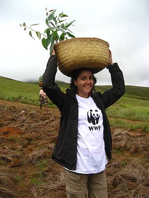 Clélie Ropart, WWF Volunteer in Madagascar with the project Innovative Community Finance Mechanism ...  	© WWF / Clélie Ropart