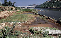 Silted river below Mettur Dam, India. / ©: WWF-Canon / Mauri RAUTKARI