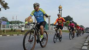 Heart of Borneo, Cycling in the Heart of Borneo II, Malaysia, Indonesia, West Kalimantan