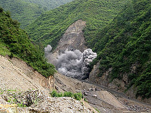 Blasting for a dam near the Wanglang Nature Reserve, part of the panda habitat in Sichuan province, ... / ©: Philippe Semanaz