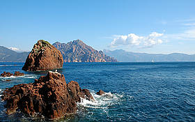 The natural reserve of Scandola in the French Island of Corsica is a model for MPAs around the Med. / ©: Scandola Natural Reserve