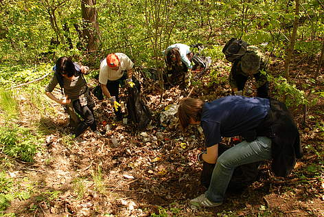 Acting Head of Mission of the UK to Bulgaria Catherine Barber and volunteers take part in WWF's ... rel=