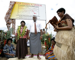 Chief of Macuata and WWF Director of Asia Pacific Programme, Dr Isabelle Louis at the launch of the ...  	© Brent Stirton / Getty Images / WWF-UK