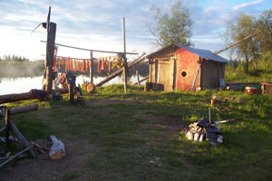 Yatlin family smokehouse near Huslia, Alaska. / ©: Eleanor Yatlin