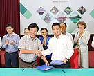 Signing MOU between WWF and Quang Nam