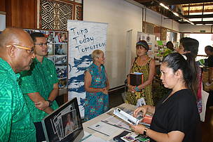 WWF-Pacific SFS Programme Team (Green Bula Shirts) part of the PIFS Grantee Open Day.