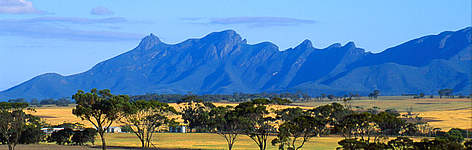 The Stirling Range or Koikyennuruff in Western Australia. rel=