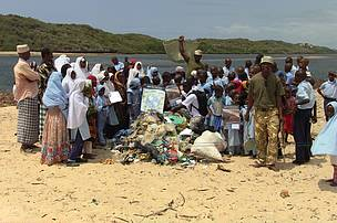 Volunteers who took part in the International Coastal Clean-up Day event in Mkokoni.