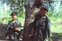 Police Officers on patrol / ©: WWF / Jane STORY