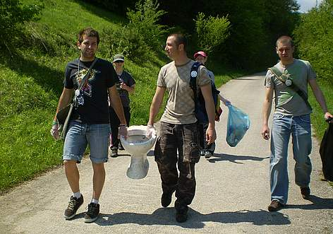 Volunteers clean Balgarka Nature Park at WWF's National Day of the Nature Parks, 2011 rel=