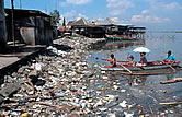 Coastal littering. Philippines. / ©: WWF / Jürgen FREUND