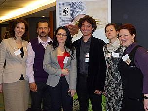 The group of Romanian farmers and WWF staff at the event.