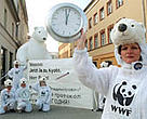 WWF urges Russia to ratify the Kyoto Protocol.