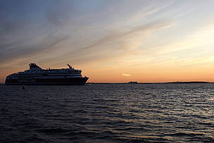 Ferries and cruise ships operating in the Baltic Sea carry approximately 80 million passengers each year. The waste water produced in these vessels is currently estimated to contain 460 tons of nitrogen and 150 tons of phosphorus, substances that add to the eutrophication of the sea.