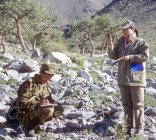 WWF research team monitoring snow leopard presence in the Altan Khokki range, Khar Us Nuur National ... / ©: Hartmut Jungius / WWF