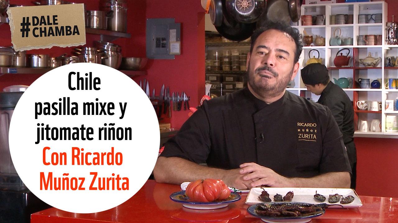 Pipián con chile pasilla mixe y jitomate riñón