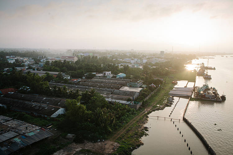 Gravest threat to Mekong delta today is sediment starvation not rising seas