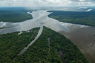 onfluence of the Teles Pires and Juruena Rivers forming the Tapajós River – Mato Grosso- Amazonas-Pará States, Brazil.